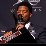 Jameis Winston wins the 2013 Heisman Trophy.